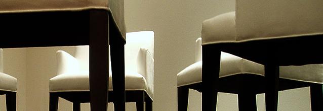 Stuehle-CC-BY-SA-2-marya