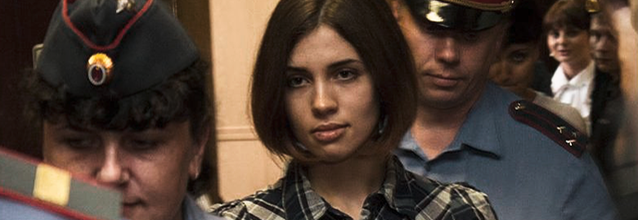 Nadezhda_Tolokonnikova_(Pussy_Riot)_at_the_Moscow_Tagansky_District_Court_-CC-BY-SA-3.0_Denis_Bochkarev